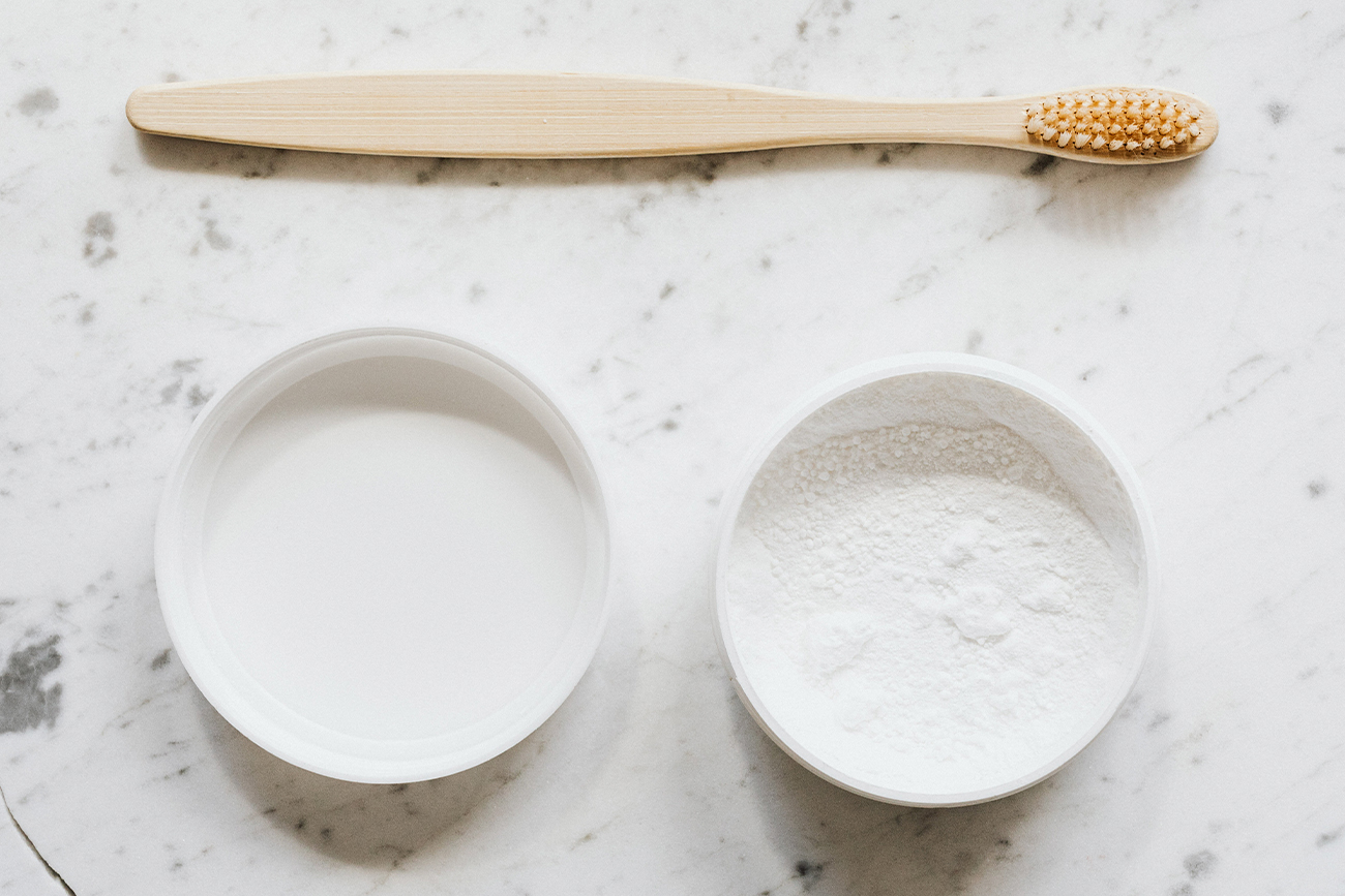 The Ultimate Guide to Plastic-Free Oral Care